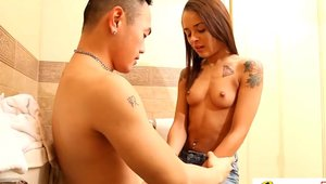 Threesome super hot latina