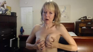 Stepmom Jamie Foster female orgasm live on webcam HD