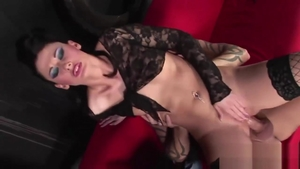 Hottest brunette Lulu Martinez goes for slamming hard