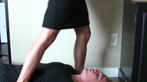 Awesome babe digs fucking hard in HD
