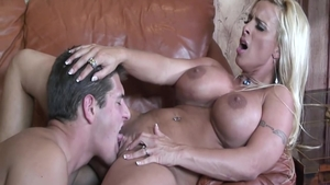 Busty housewife Holly Halston really likes blowjobs
