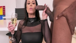 Super sexy Kendra Lust mature interracial bang scene