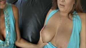 Big tits chick Erica Lauren takes a large dildo