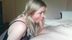 Big butt russian stepmom agrees to pussy fucking in HD