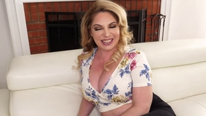 Solo busty & fat girl Kiki Daire in panties pussy fucking
