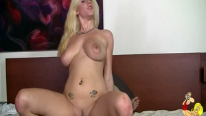 Orgasm along with busty blonde Haley Cummings