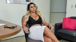 Big ass MILF craving nailed rough in HD