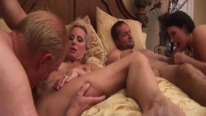 Homemade group sex along with busty MILF Sophie Dee