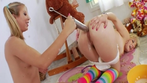 Hard slamming accompanied by perfect teen chick Chastity Lyn