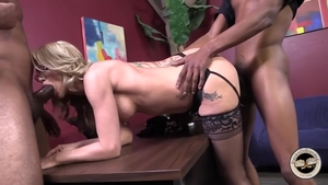 Mature digs plowing hard in tight stockings HD