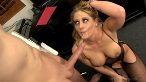 Blonde Claudia Valentine amongst Holly Heart cumshot