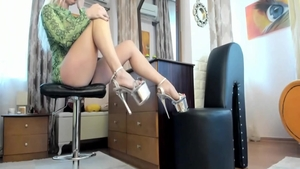 Blonde babe foot fetish nice in high heels solo