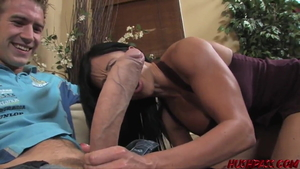 Muscled girl Jewels Jade rough pussy fuck fingering