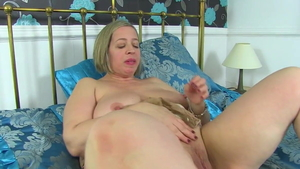 Toni Lace in stockings with Shooting Star hard sex