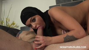 Hard nailining in company with muslim housewife Daphne Klyde