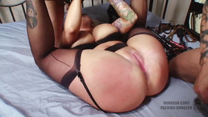 MILF Angel Vain hogtied