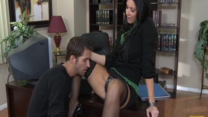Pussy eating in office amongst big ass babe India Summer