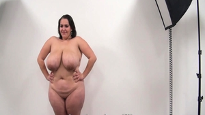 Very fat amateur pussy eating at the castings in HD