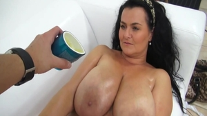 Chubby czech amateur goes for good fuck in HD